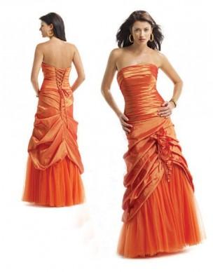 Oranžové maturitní šaty na míru