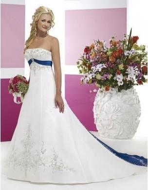 svatební šaty s vlečkou - modré